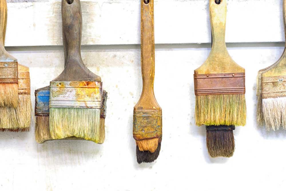 brushes-hanging